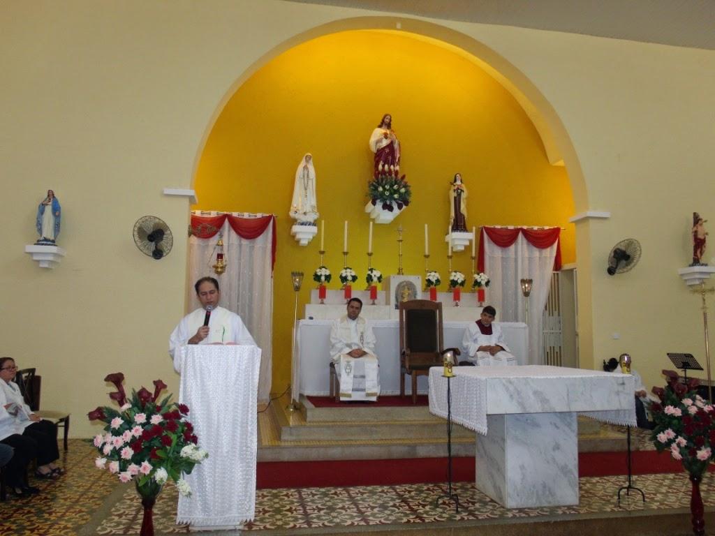 Imagens da 4ª noite de novena em honra ao Sagrado Coração de Jesus