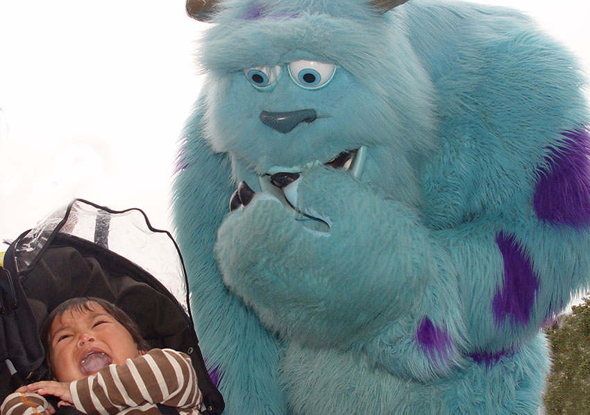 Sulley scaring a little boy at Disneyland Paris.