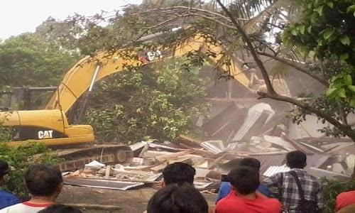Eksekusi Lahan di Taruko (Padang) Berlangsung Ricuh