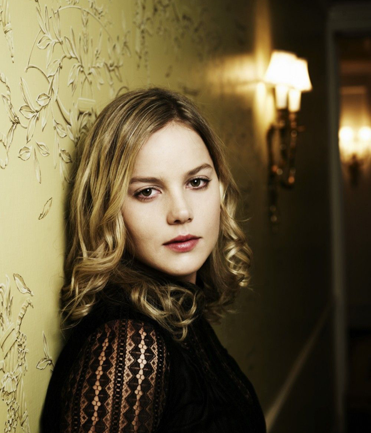 Abbie Cornish Hairstyle 21