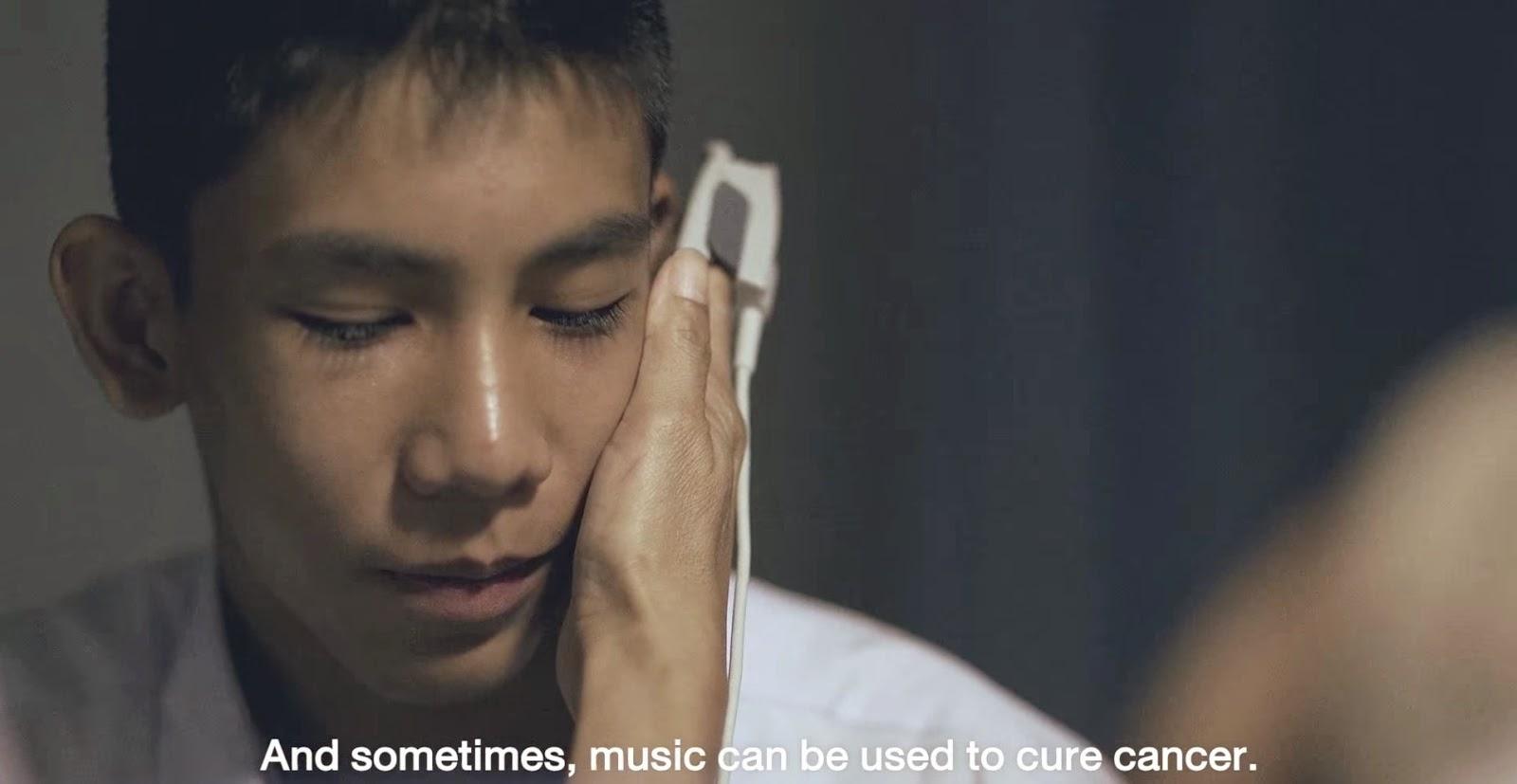 iklan thailand yang sedih, iklan thialand yang menyayat hati, belajar main gitar,