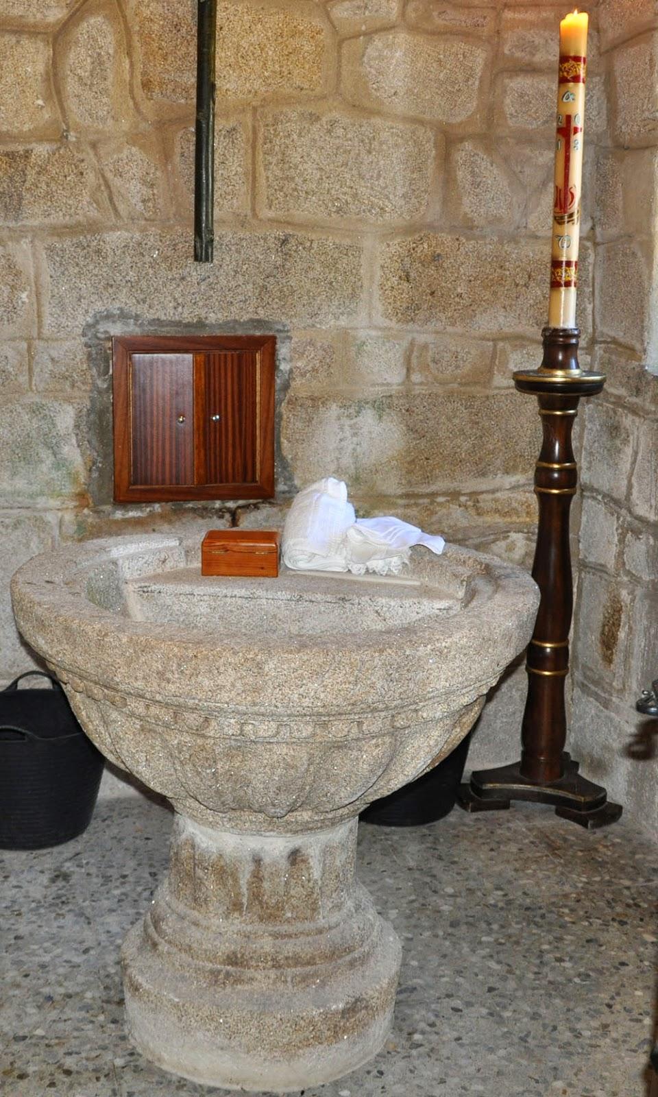 imagen bautizos pila bautismal