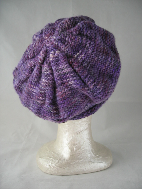 Ladies Knitting Patterns : free knitting pattern: womens knit beret models
