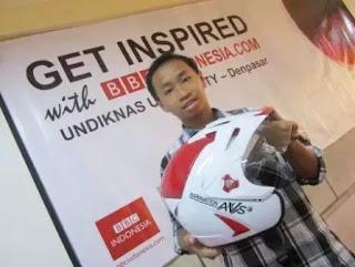 Helm unik kreasi putra Indonesia....!!!