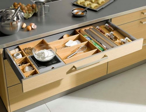 http://www.shelterness.com/57-practical-kitchen-drawer-organization-ideas/?utm_source=feedburner&utm_medium=feed&utm_campaign=Feed%253A+Shelterness+%2528Shelterness%2529