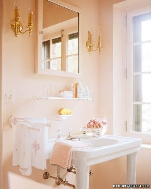 Lamb blonde pink loves gold for Pink and gold bathroom accessories
