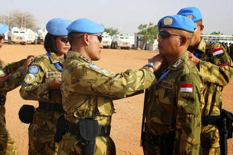 Upacara Kenaikan Pangkat di lapangan Indobatt, Supercamp Unamid, Darfur Barat.