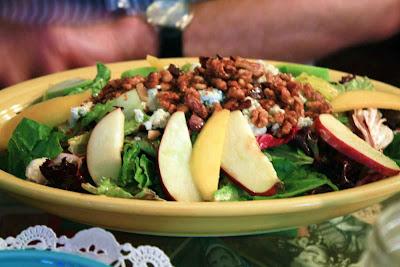 Leckerer Salat im Bubble Room Restaurant © Copyright Monika Fuchs, TravelWorldOnline