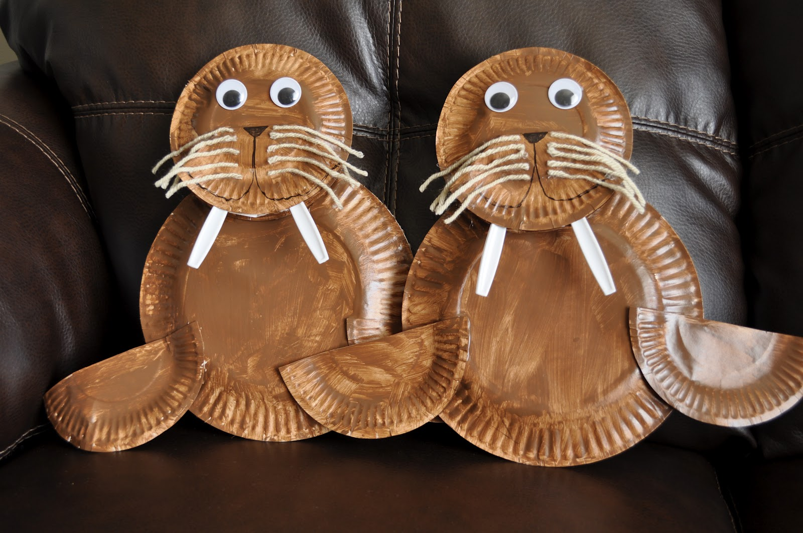 Paper Plate Walrus | I Heart Crafty Things