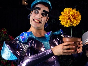 Noel Fielding's Luxury Comedy Ashes to Ashes tribute