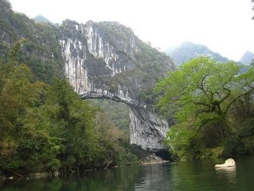 El puente natural más grande del mundo