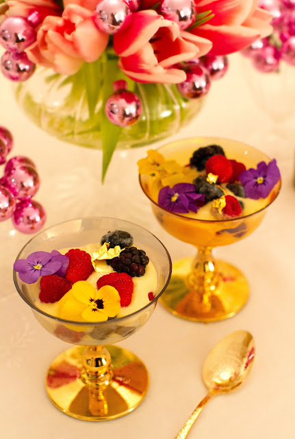 Champagne mini trifle