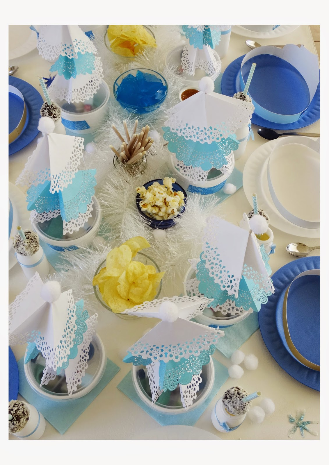 Table setting & blackPEPPERcollective: Frozen 4th Birthday Party!