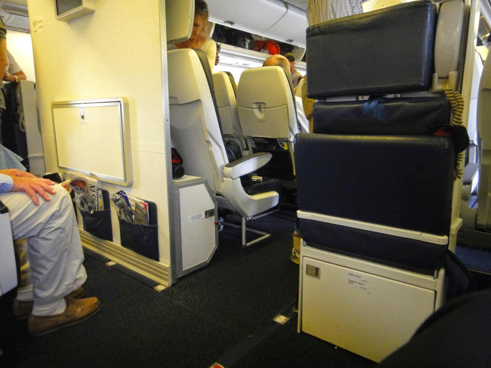 British Airways Economy Class : Istanbul to London on the Boeing 767  #9E892D