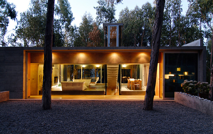 Casas minimalistas y modernas casa minimalista de hormigon for Casa minimalista vidrio