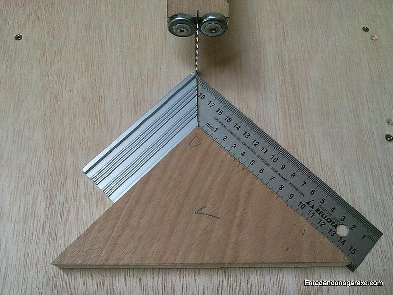 Cómo alinear la guía para cortes a inglete. Enredandonogaraxe.com