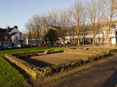 Reconstrucción del Manchester romano con el MOSI al fondo en el barrio de Castlefield