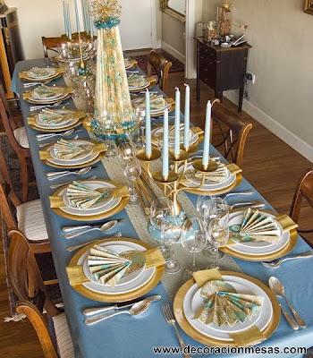 decoracion mesa Navidad en dorado y azul