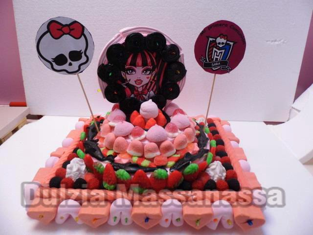 tarta de chuches y golosinas monster high dulzia massanassa
