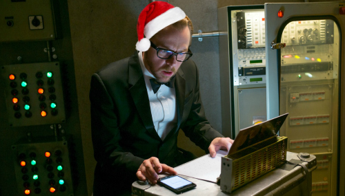 benji-simon-pegg-mission-impossible-santa
