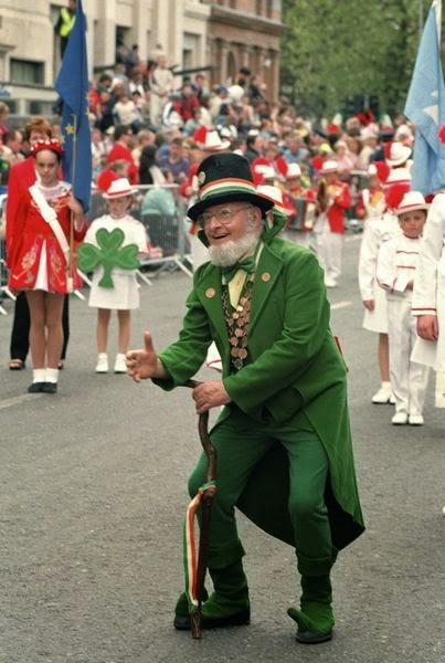 Frases De st-st patrick-saint patrick: Happy St Patick's Day  A Participant