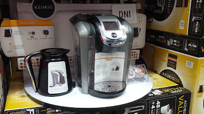The Keurig 2.0 K560 allows you to make a single cup of coffee or several cups with the help of the carafe