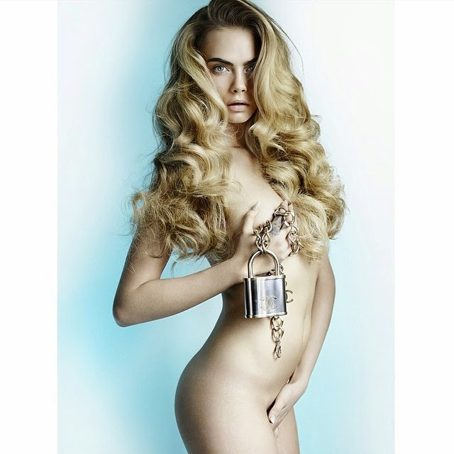 Cara Delevigne desnuda