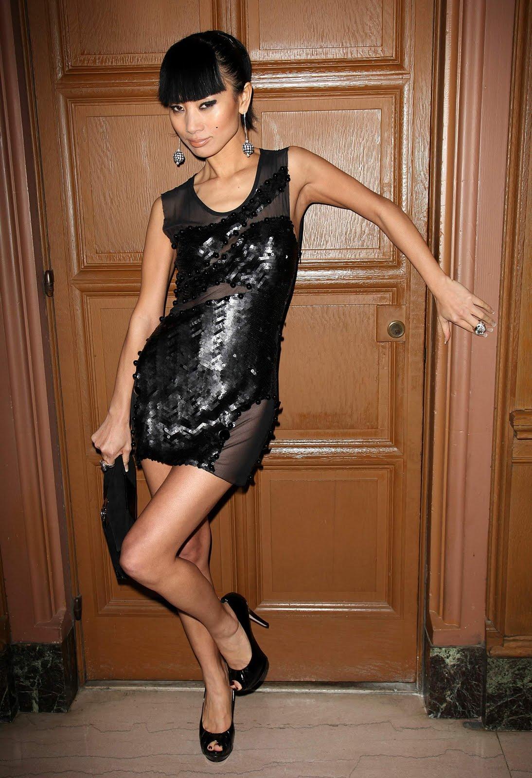 http://4.bp.blogspot.com/-_FWkwobNNsI/TWTpWNux5vI/AAAAAAAAF4w/MzeOKnCzZW0/s1600/celebskin_bai_ling_little_black_dress_seethru_backless_5.jpg