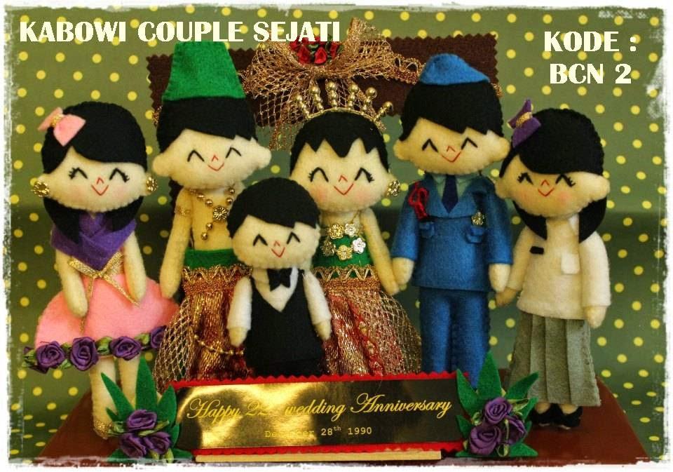 Kado Wisuda Hadiah Animasi Unik Boneka Couple Jual Flanel Harga Untuk Pacar Ultah Kebaya