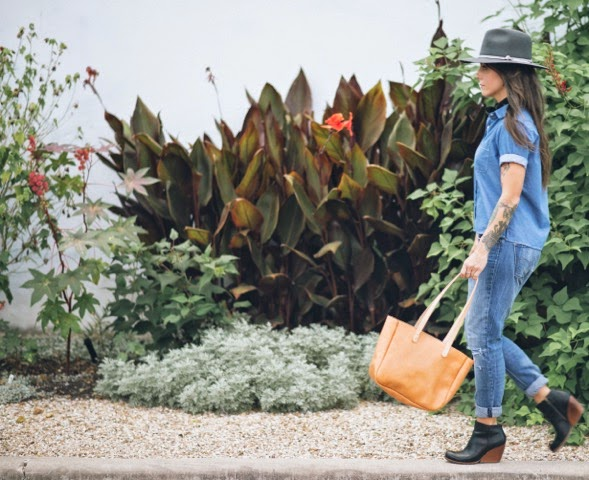 Hatton Henry small tote natural leather in motion - Hello, Handbag