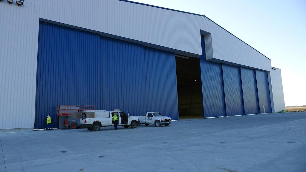 Bi Parting Hangar Doors At Windsor on Aircraft Hangar Building Plans
