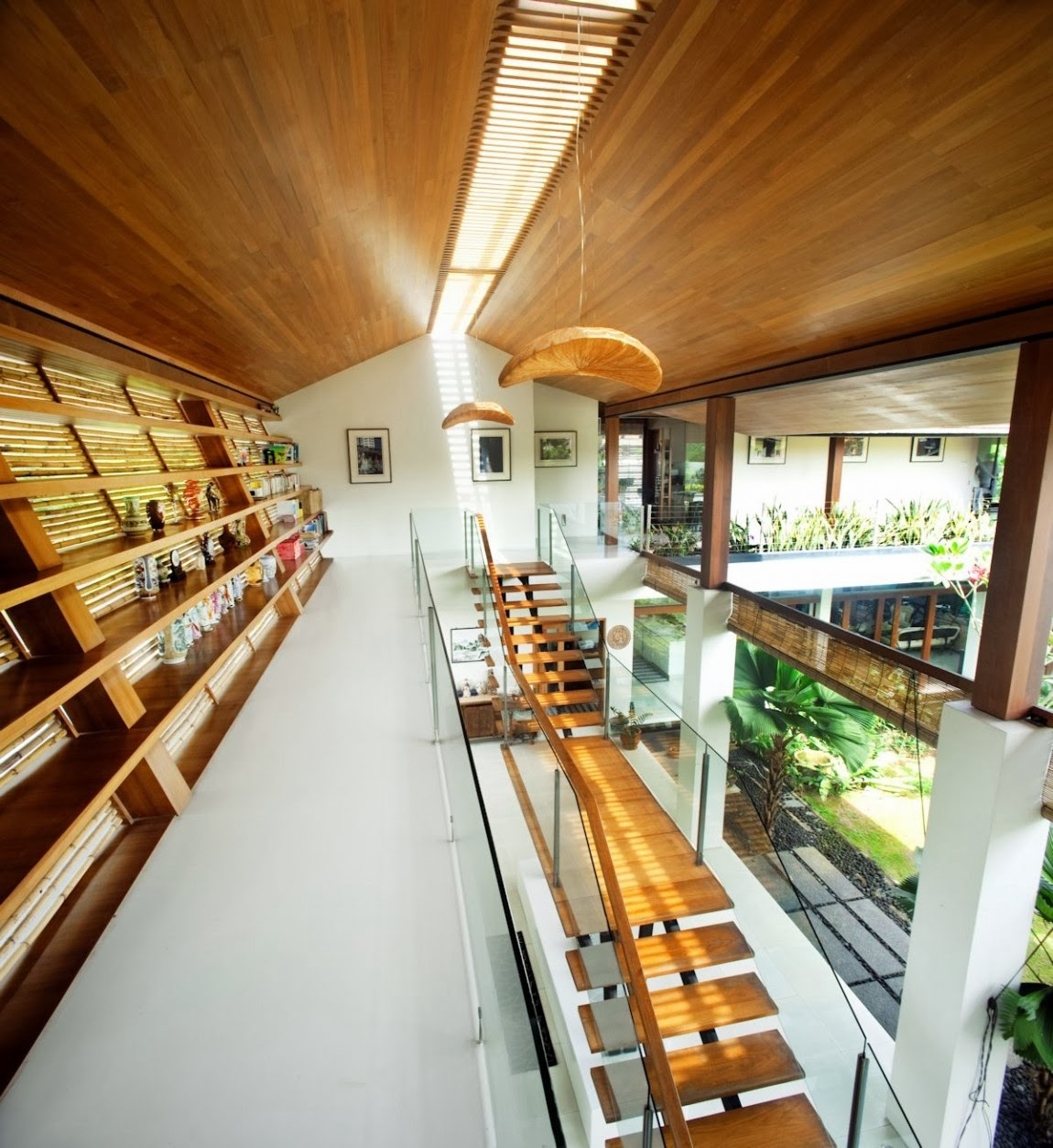 The Sun House By Guz Architects A Hevean Of Green In: Okokno : Sun House By Guz Architects