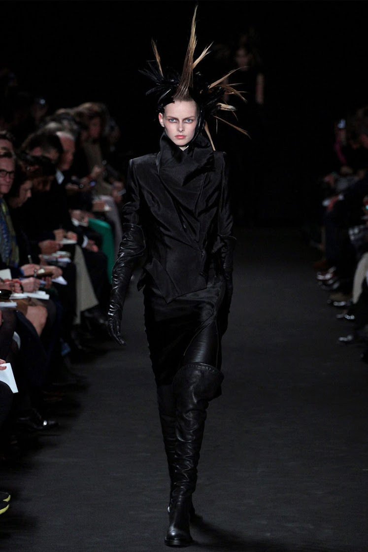 Ann Demeulemeester Autumn/Winter 2012/13 Women's Collection