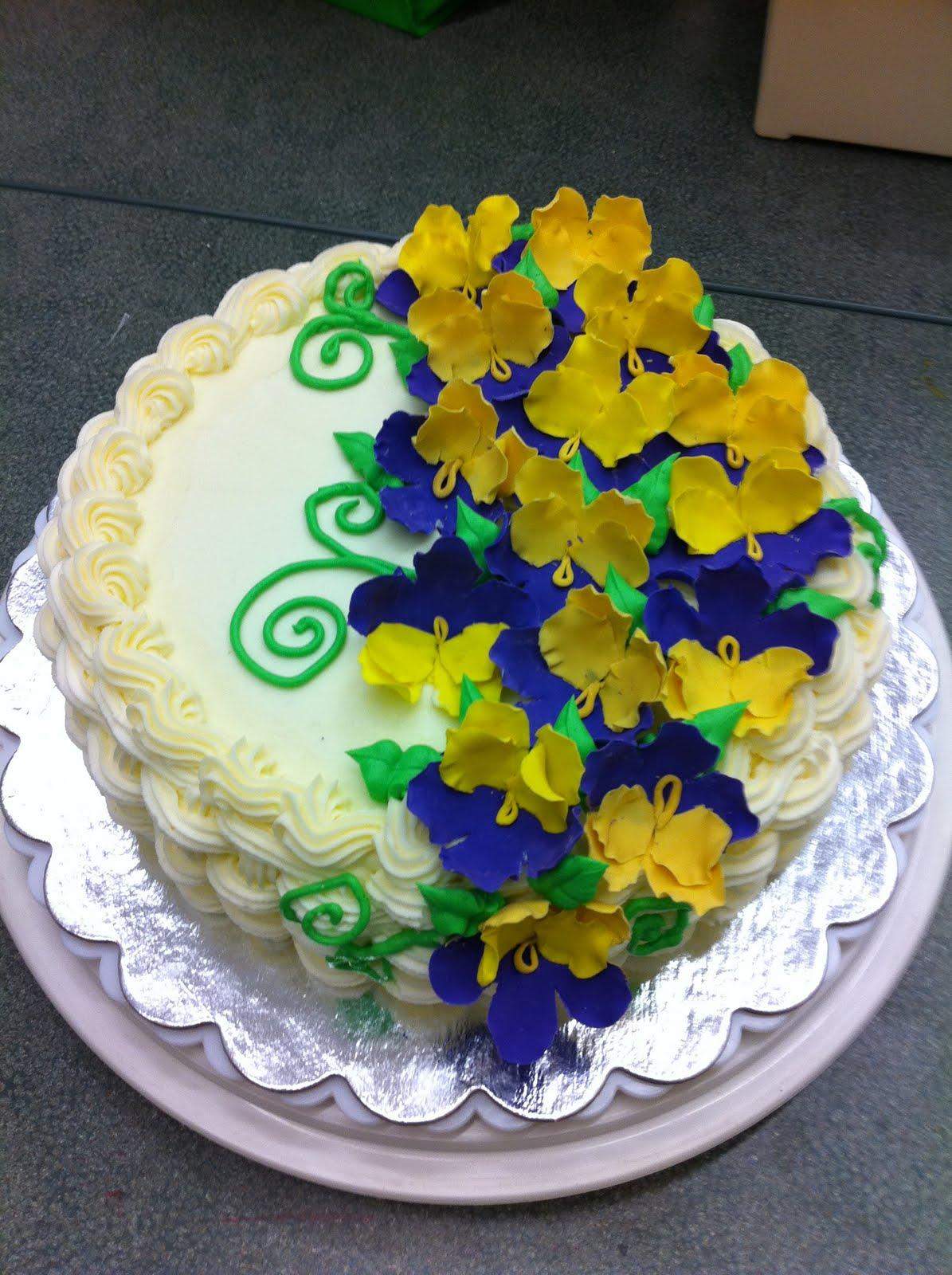 Pansie Flower Cake (Wilton Course Cake) - My Sweet Zepol