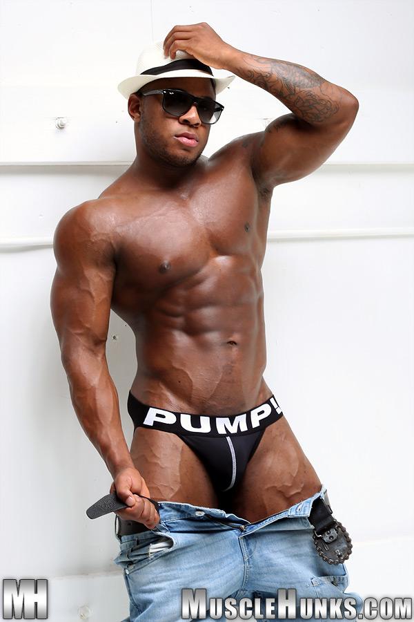 %2528ConteudoG%2529F-02993-S_Muscle_Adam-S.jpg