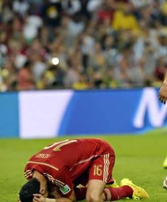 Espanha perde para o Chile e é eliminada da Copa do Mundo na segunda partida