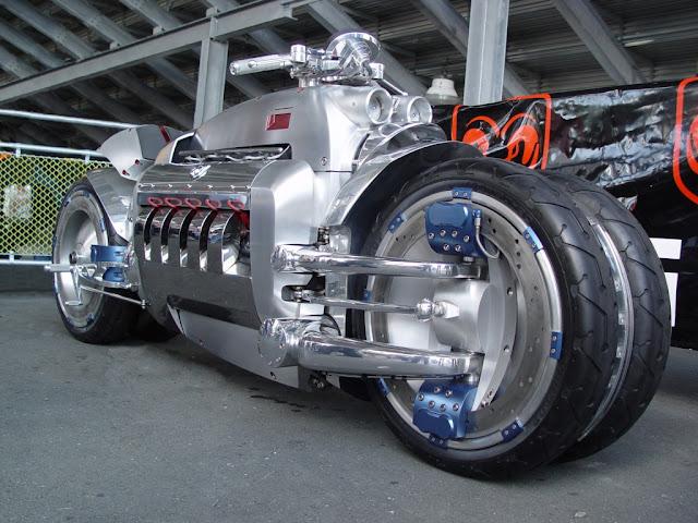 Foto Sepeda Motor Konsep Dodge Tomahawk 03