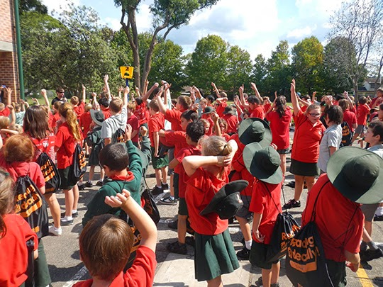 school kids doing the harlem shake
