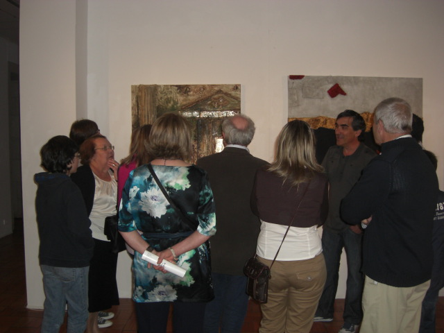 Urbano presenting the exhibition
