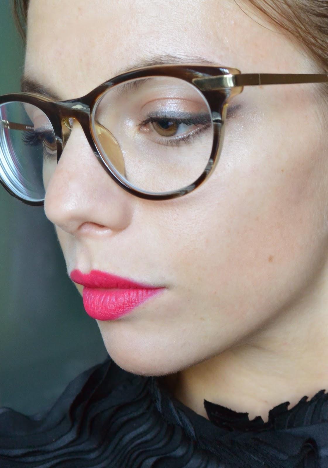 maquillage lunettes. Black Bedroom Furniture Sets. Home Design Ideas