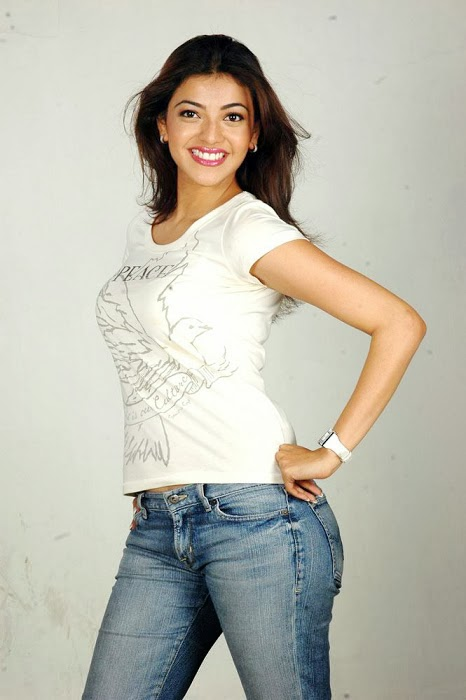 Kajal+Agarwal+Hot+And+Cute+In+Tight+T shirt+%2526+Jeans+Photos002