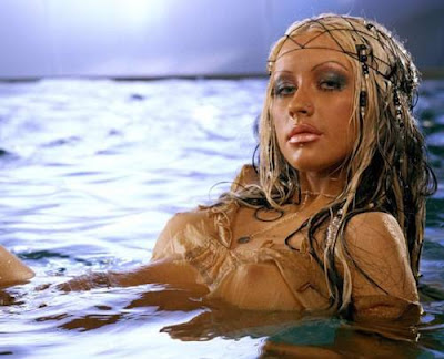 hot pictures and wallpapers christina aguilera topless picture