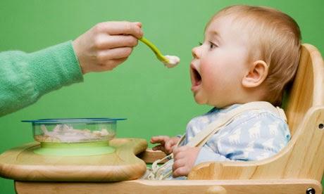 Pola Asuh Anak: Terlambat Memberi Makanan Padat