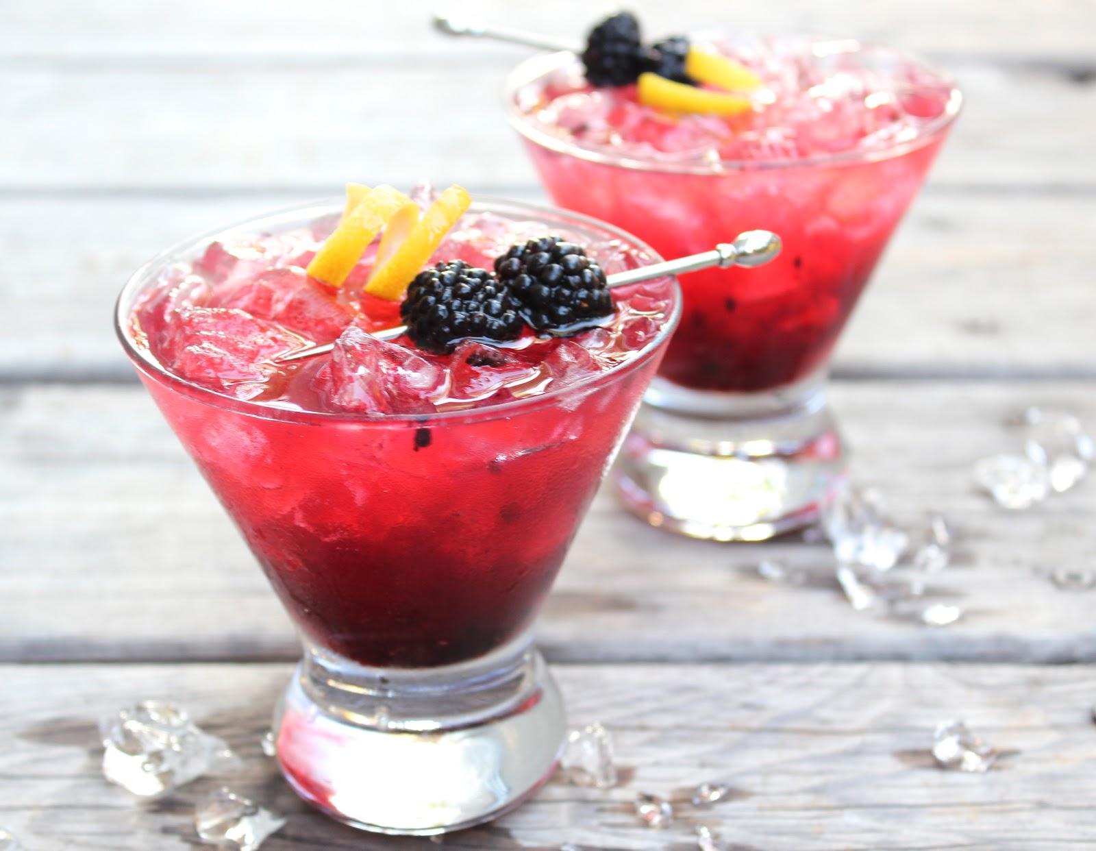 Blackberry crush cocktail | lieslicious