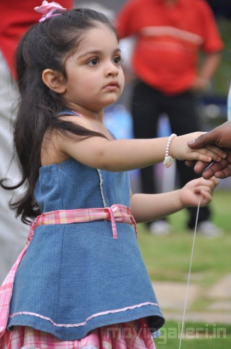Ajith's Daughter Anoushka 2