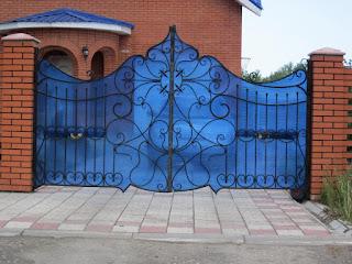 Кованный забор из поликарбоната. Фото 5
