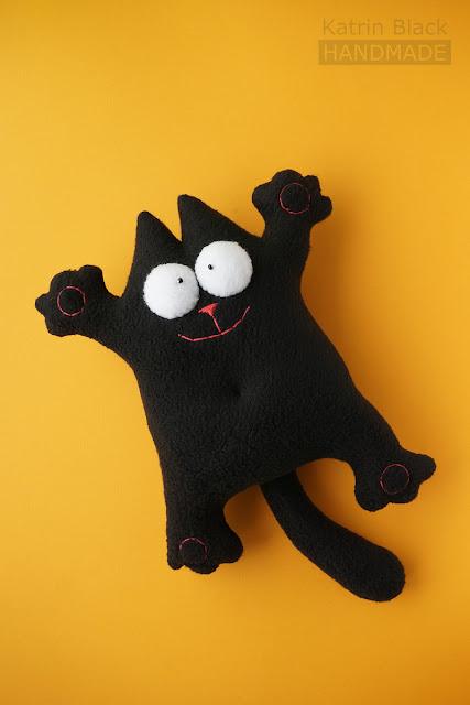 Кот Саймона чёрный - игрушка из флиса. Купить.