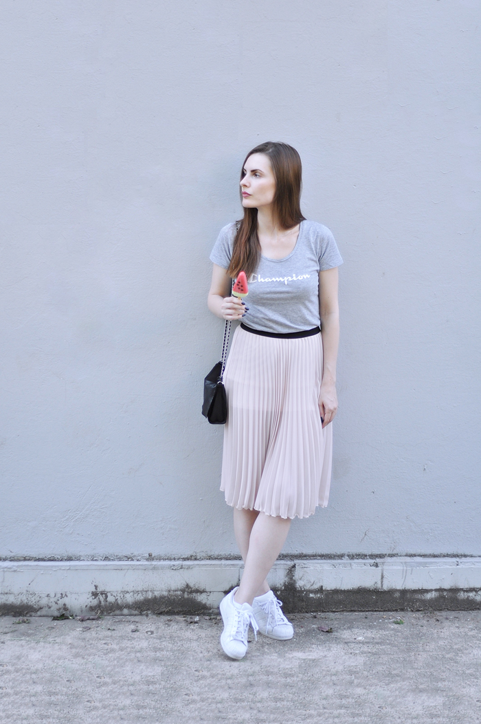 aleksandra skorupan, velvet and milk blog, ootd, ice cream