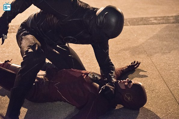 """The Flash - Enter Zoom - Review: """"I Can't Feel My Legs"""""""
