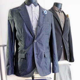 Lanvin men's silk-cotton blend blazer.